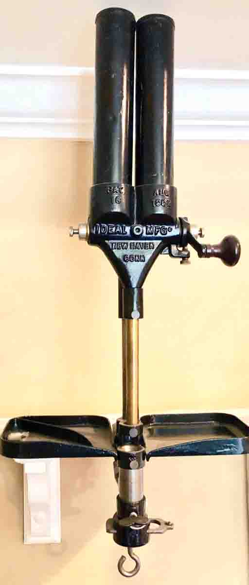 Ideal Shotshell Loading Machine; the foot pedal chain is missing.