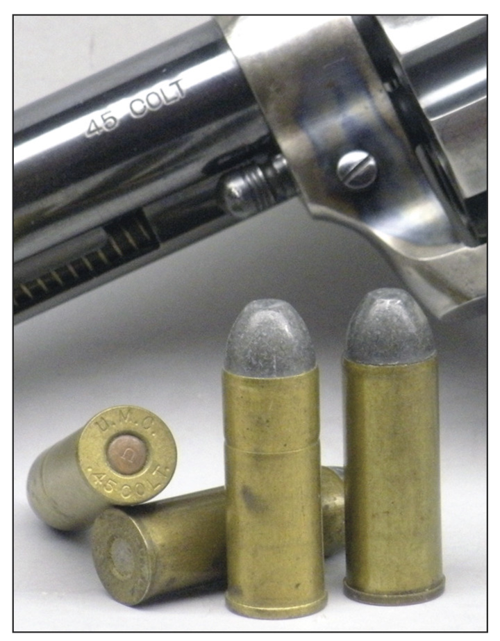 Elmer Keith was a lifelong fan of the UMC post-1880 .45 Colt load with a 250-grain flatnose conical lead bullet (right) seated over 40 grains of black powder, sans cannelure, or the equivalent smokeless load (left), distinguished by the cannelure at the base of the bullet.
